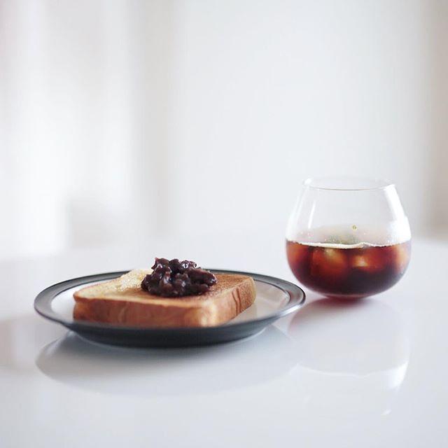 グッドモーニングアイスミントコーヒー&小倉トースト。うまい! (Instagram)