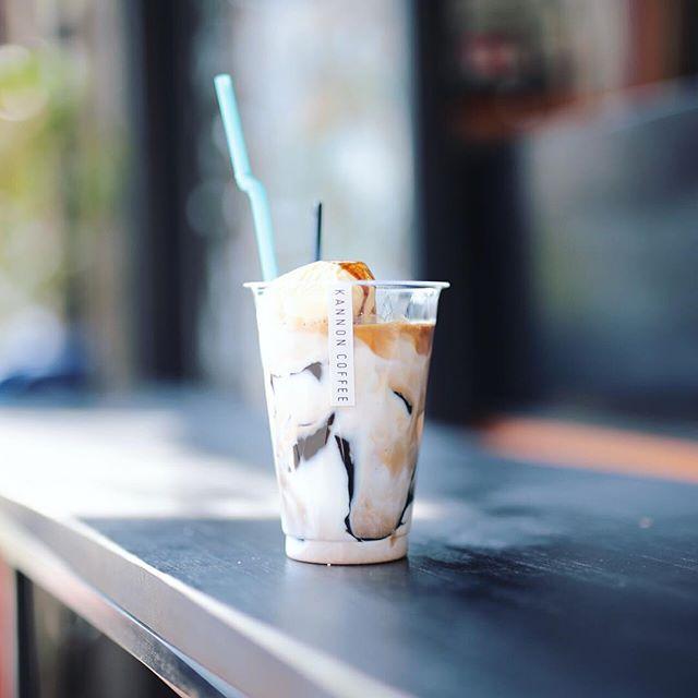 KANNON COFFEEで3時のおやつ。コーヒーゼリーラテ!うまい!#オニマガ名古屋散歩 #カンノンコーヒー (Instagram)