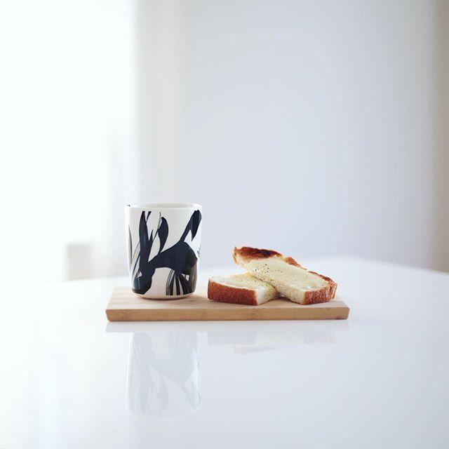 グッドモーニングコーヒー&チーズトースト。うまい! (Instagram)
