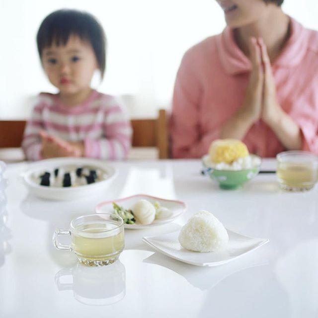 グッドモーニングおにぎり&梅昆布茶&井川商店のぬか漬け。うまい! (Instagram)