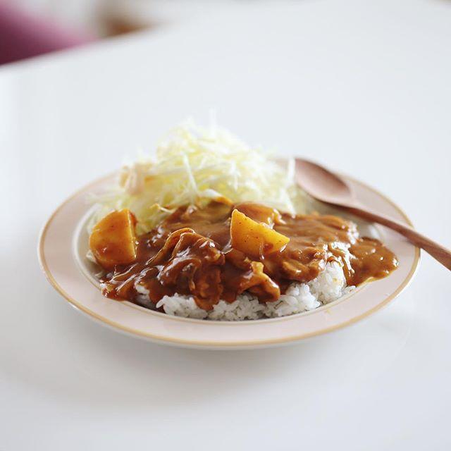 今日の夜ご飯はオリエンタルマースカレー。マンゴー・アップル・レーズン・スパイスのMARSカレー。長いこと愛知県民やってるけど初めて食べた!うまい! (Instagram)