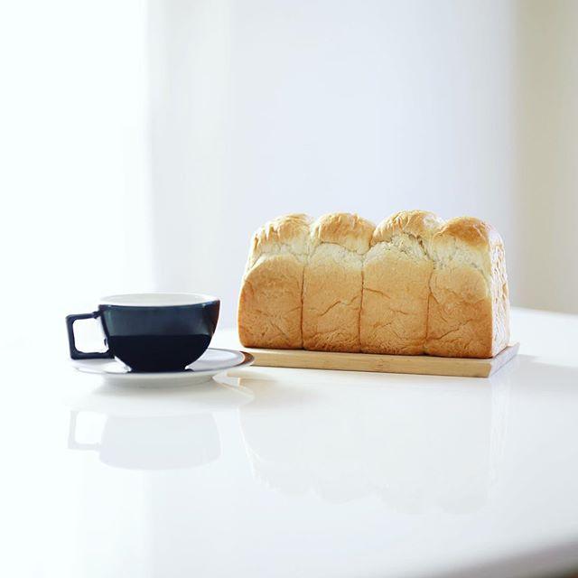 池下ベーカリーricoの食パンでグッドモーニングコーヒー。サイクリングしててたまたま入ったあられやのおばさんがオススメしてくれたやつ。うまい! (Instagram)
