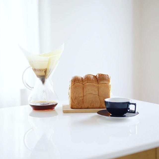 ピカソの湯種もちもちトーストでグッドモーニングコーヒー。うまい! (Instagram)