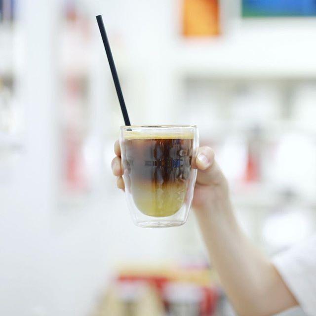 サカエチカのカッピングルームで3時のコーヒー休憩。アップルジンジャーエスプレッソソーダ。うまい!#オニマガ名古屋散歩 #cuppingroom (Instagram)