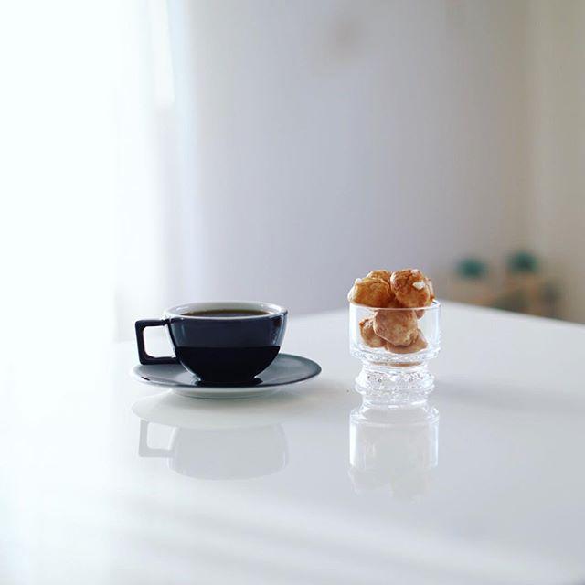 お菓子屋Riettoさんのシューケットでグッドモーニングコーヒー。うまい! (Instagram)