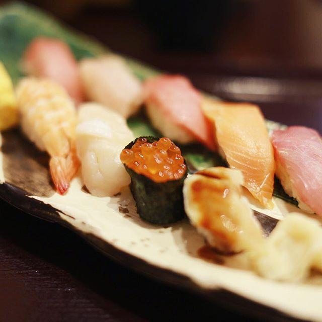 お寿司食べてスッと名古屋に帰るー。うまい! (Instagram)