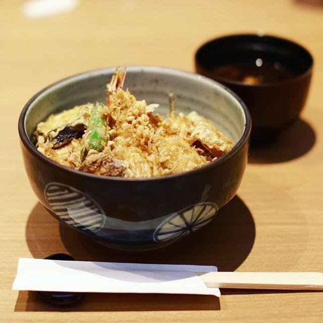鶴舞の日本料理たぐちへランチしに来たよ。上天丼。うまい!#オニマガ名古屋散歩 (Instagram)
