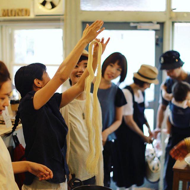 今日は鶴舞のMondで朝ごはんの会。今回は安城の一条素麺と富山の大門素麺を色々楽しく食べる会。長い!うまい!#オニマガ名古屋散歩 (Instagram)