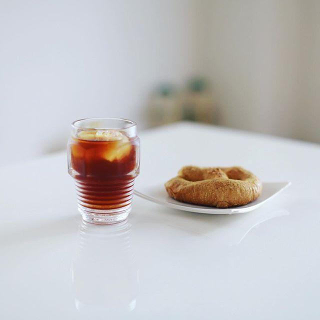 グッドモーニング水出しコーヒー&プレッツェル。ナゴヤオクトーバーフェストのお土産にもらった。うまい! (Instagram)