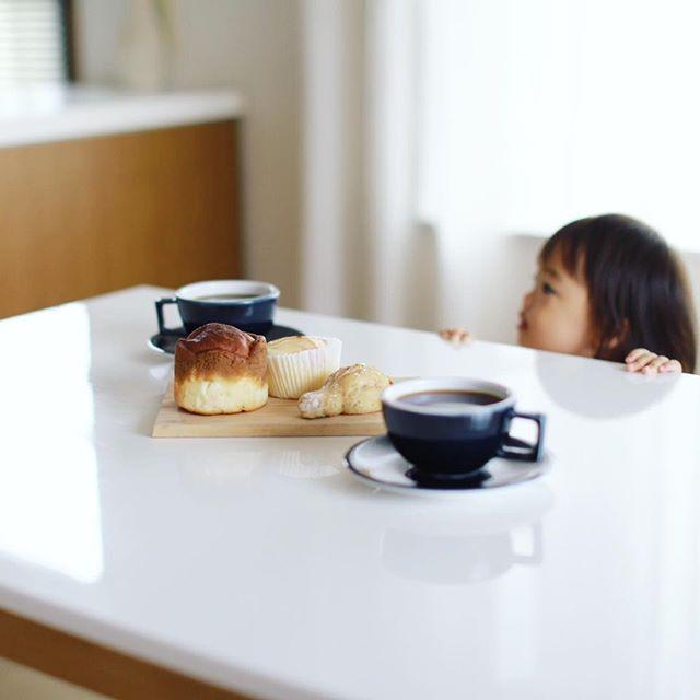 グッドモーニングコーヒー&ポンパドウルのパンいろいろ。うまい! (Instagram)