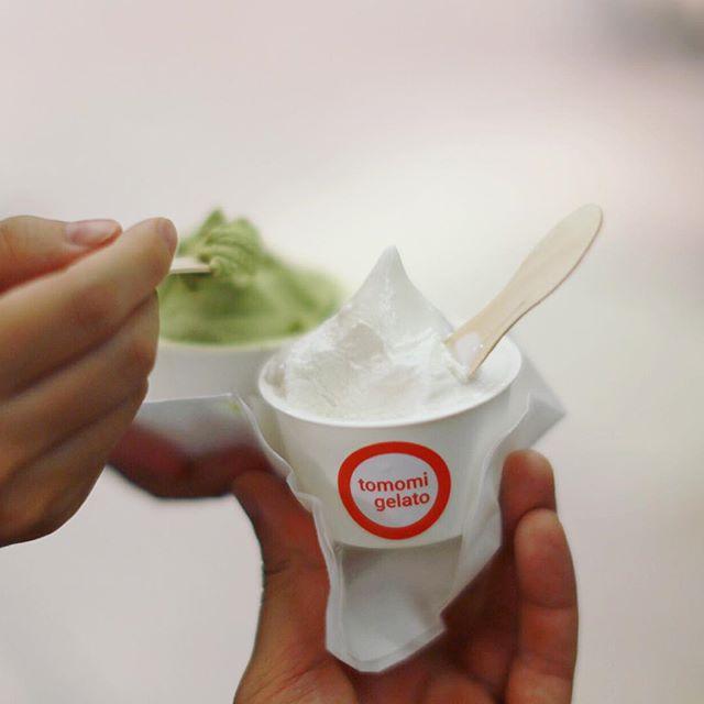 柳ヶ瀬に来たのでtomomi gelatoでおやつタイム。ミルクジェラートとお茶のジェラート。うまい! (Instagram)
