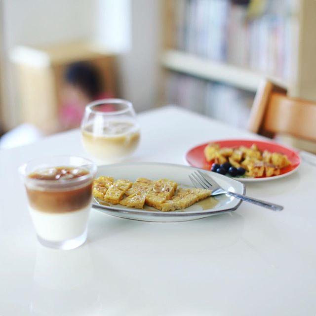 グッドモーニングアイスカフェオレ&フレンチトースト。うまい! (Instagram)