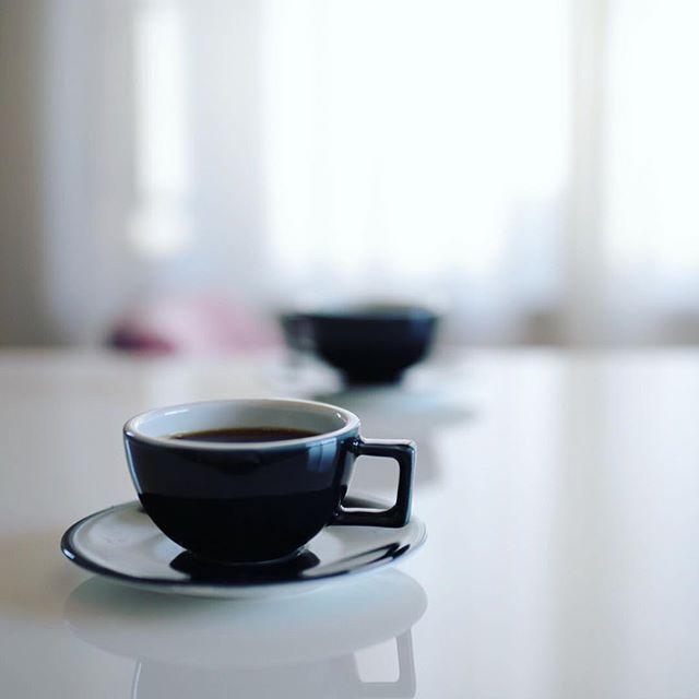ZIP-FM聴きながらグッドモーニングコーヒー。うまい!今日はこのあと9:00までのどっかで奥様が出演するコーナーがある模様。オニマガブログから週末のオススメお出かけ情報をアレするそうです。 (Instagram)