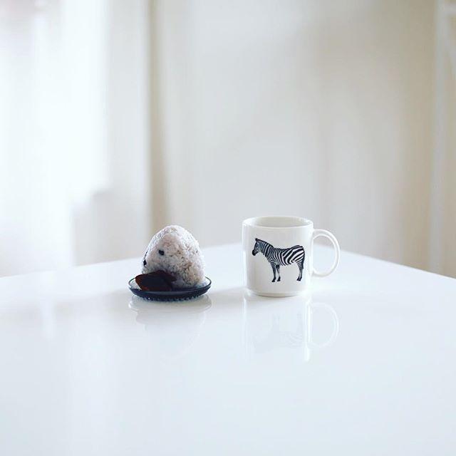 グッドモーニング黒千石大豆おにぎり&お味噌汁。うまい! (Instagram)