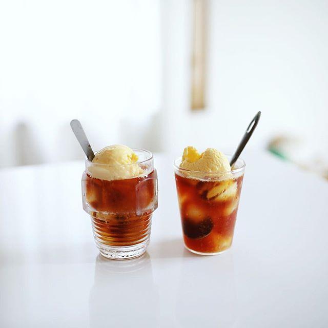 自家製フライパン焙煎コーヒーと自家製アイスクリームでコーヒーフロート作ったよ。うまい! (Instagram)