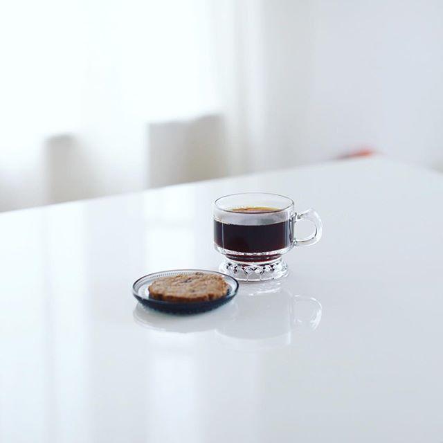 re:Liのシリアルクッキーでグッドモーニングコーヒー。うまい! (Instagram)