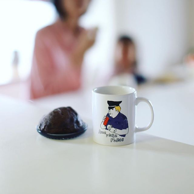 momochamiBreadのチョコボールでグッドモーニングミルクティー。昨日の東別院てづくり朝市で買ってきたやつ。うまい! (Instagram)