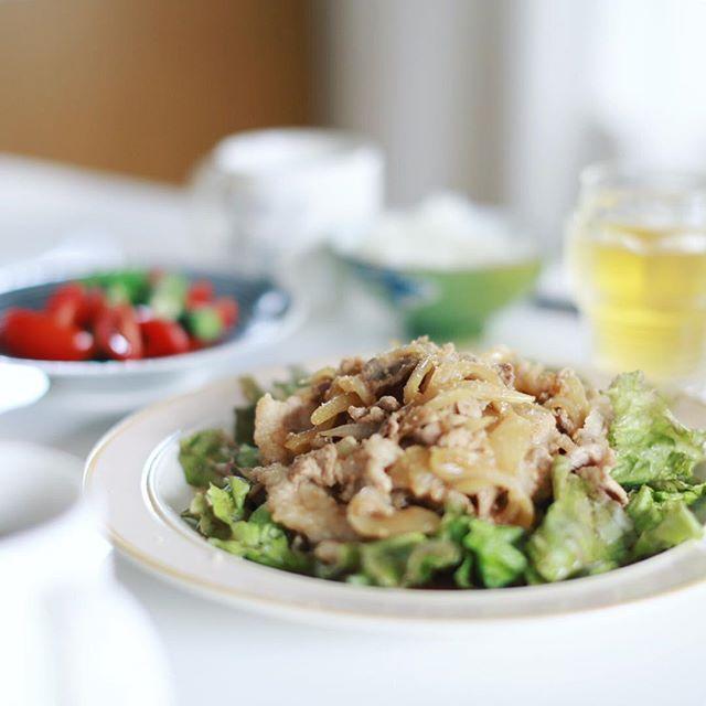今日のお昼ご飯は豚の生姜焼き。うまい! (Instagram)