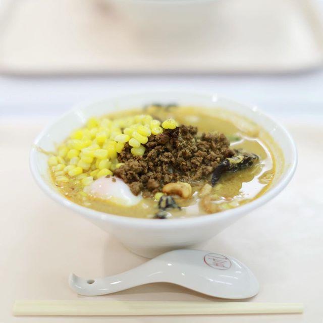 松坂屋の大北海道物産展にラーメン食べに来たよ。175°DENO担担麺の味噌坦々麺スペシャル。舌が痺れる!うまい!#オニマガ名古屋散歩 (Instagram)