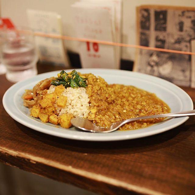 サチコブラウニーにカレー食べに来たよ。豆のカレー。うまい!#オニマガ名古屋散歩 (Instagram)