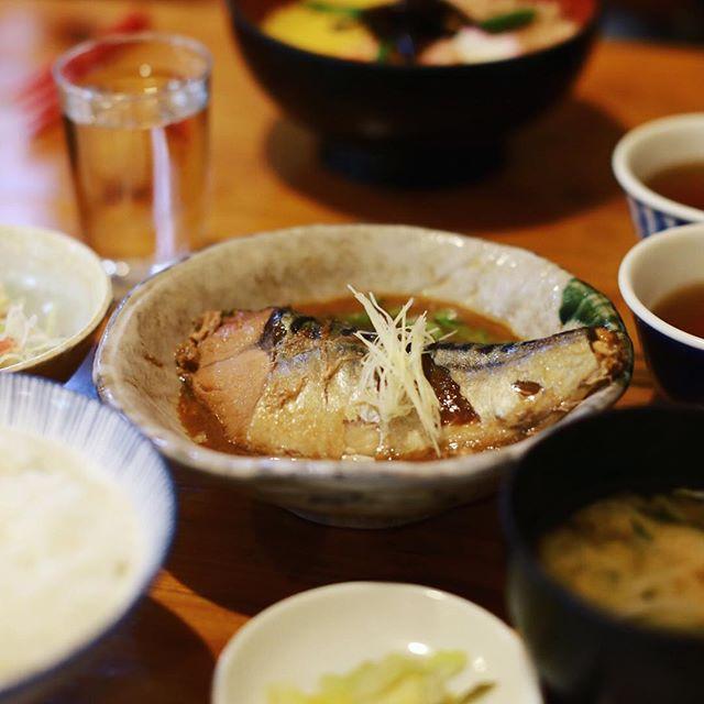 代官山の末ぜんにお昼ごはん食べに来たよ。サバの味噌煮定食。うまい!#オニマガ東京散歩 (Instagram)