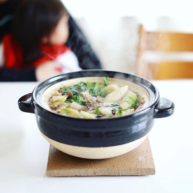 今日のお昼ごはんは、かまどさんできりたんぽ鍋。うまい! (Instagram)