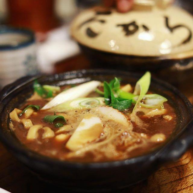 大須のにこみのたからへ味噌煮込みうどん食べに来たよ。グツグツ。うまい!#オニマガ名古屋散歩 (Instagram)