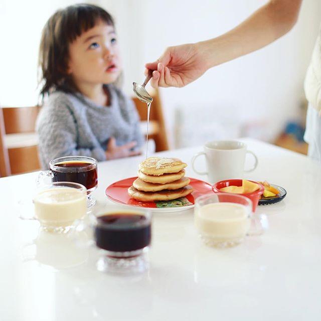 グッドモーニングホットケーキ。やけにドリンクが多い朝。うまい! (Instagram)
