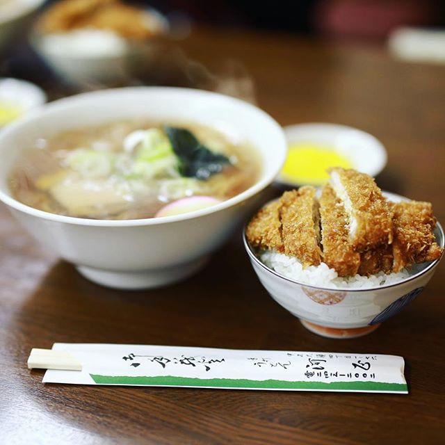 矢場町の #河正 で中華そば+カツのせごはん。うまい!#オニマガ名古屋散歩 (Instagram)