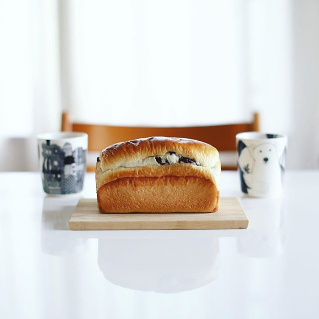 パンドール丸武のパンドミショコラでグッドモーニングコーヒー。うまい! (Instagram)