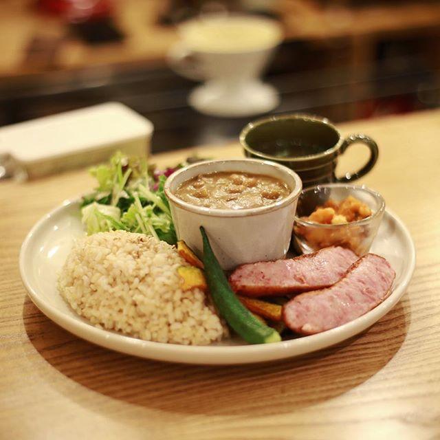 矢場町のSORA CAFE 01 THE STANDにカレー食べに来たよ。うまい!#オニマガ名古屋散歩 (Instagram)
