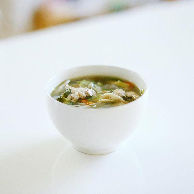 グッドモーニング10種の野菜のチキンスープ。うまい! (Instagram)