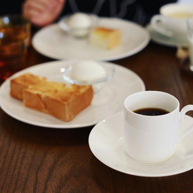 マナブコーヒーにモーニングしに来たよ。エチオピアイルガフェチェフ&トースト&ゆで卵。うまい!#オニマガ名古屋散歩 (Instagram)