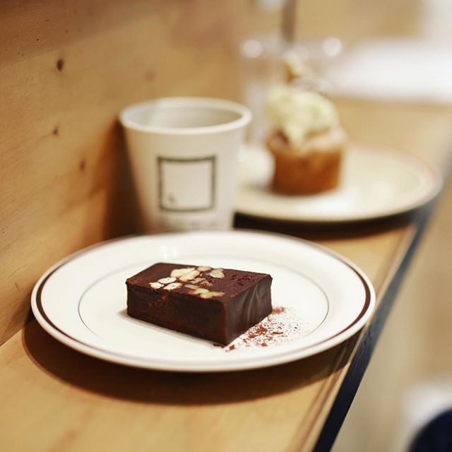 #andeat &EATでおやつ休憩。ショコラテリーヌ&コーヒー。うまい!#オニマガ名古屋散歩 (Instagram)