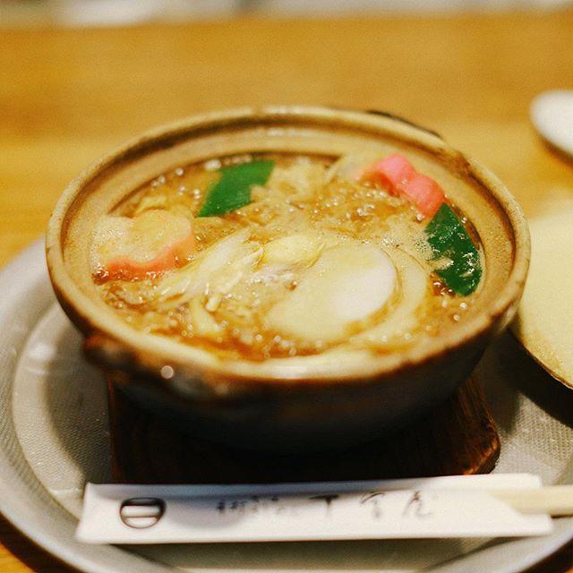 大須のお蕎麦屋さん丁字屋万松寺店の手打ち味噌煮込みうどん。うまい!#オニマガ名古屋散歩 (Instagram)