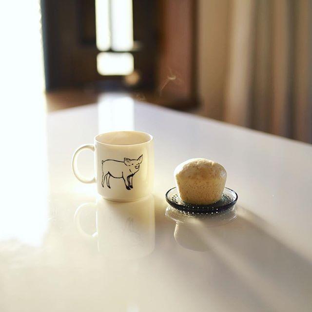 グッドモーニングホットチョコレート&月の温の蒸しパン。うまい!今日はPICマガジン東京写真部! (Instagram)