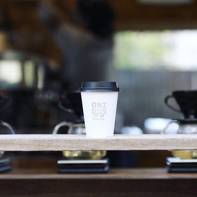#onibuscoffee オニバスコーヒーでカフェラテ&焼き芋タイム。うまい!#onibuscoffeenakameguro #onibuscoffee中目黒 #芋屋風と土 #風と土 (Instagram)