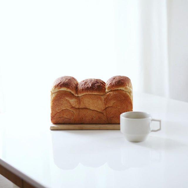 パン工房七人姉妹の食パンでグッドモーニングコーヒー。うまい! (Instagram)
