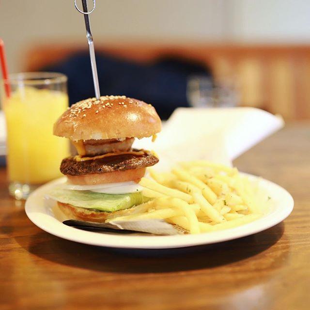 矢場町のCity Dining Macy'sでハンバーガーランチ。テキサスバーガー。うまい!#オニマガ名古屋散歩 (Instagram)