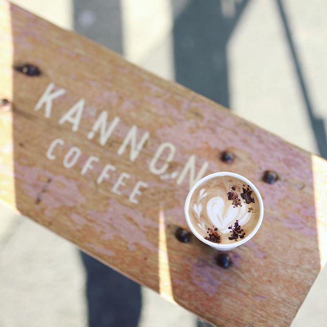 KANNON COFFEEでカフェモカ休憩。うまい!#オニマガ名古屋散歩 (Instagram)