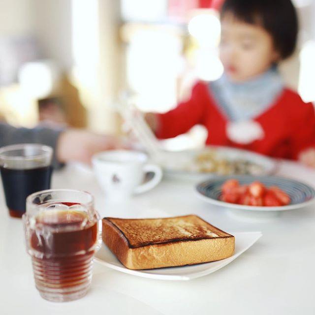 グッドモーニングコーヒー&フライパントースト。うまい! (Instagram)