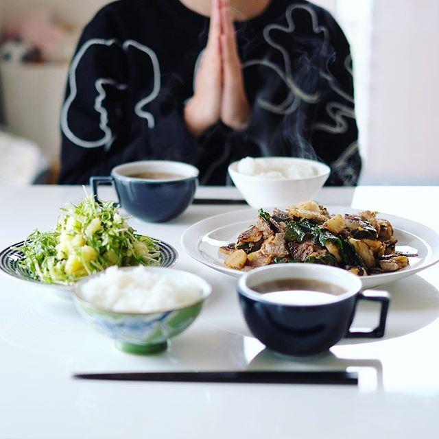 今日のお昼ご飯は、蕪と豚肉の塩麹焼き、水菜ポテトサラダ、蕪のお味噌汁、白米。うまい! (Instagram)