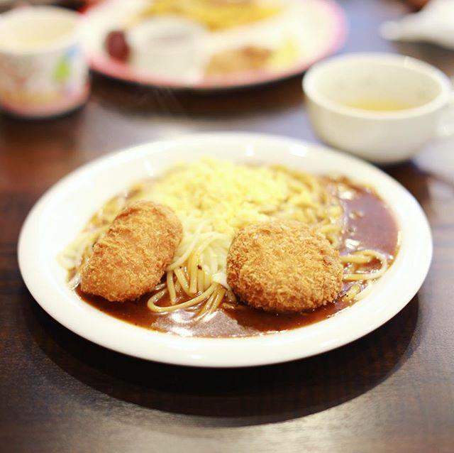 鶴舞の #ラピーニャ にあんかけパスタ食べに来たよ。クリームコロッケ&メンチカツ。うまい!#オニマガ名古屋散歩 (Instagram)