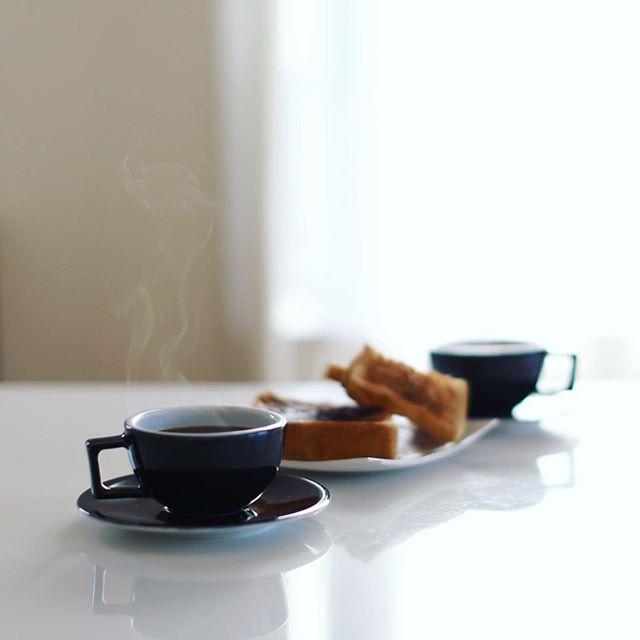 グッドモーニングコーヒー。今日もいい湯気が出てる。うまい! (Instagram)