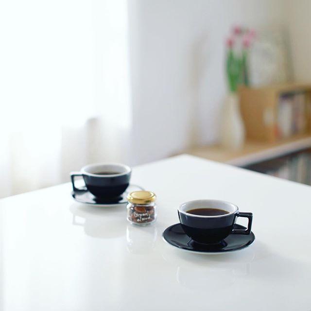 re:Liのキャラメルアーモンドでグッドモーニングコーヒー。うまい! (Instagram)