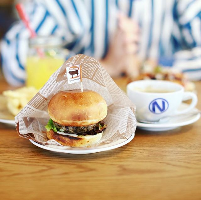 グッドモーニングバーガー&コーヒー。名駅にできたNICK STOCKにハンバーガー食べに来たよ。うまい!#オニマガ名古屋散歩-#nickstock #ニックストック #朝ニック (Instagram)