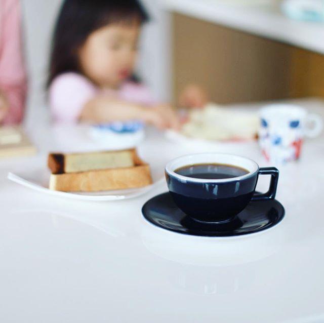 グッドモーニングコーヒー。なんにも予定がない土曜日。うまい! (Instagram)
