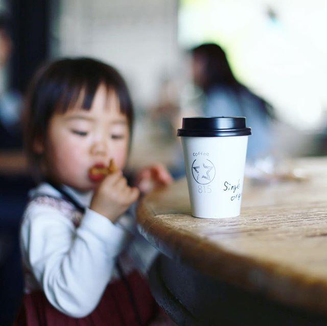 今日は東京写真部で桜新町散歩。駅前がお祭でえらいことになってるので、815 Coffee Standでカフェラテ休憩。うまい! (Instagram)