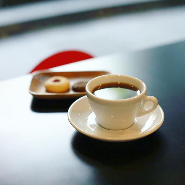 NORDIC STYLE CAFEでコーヒー&読書タイム。うまい!#オニマガ名古屋散歩 (Instagram)