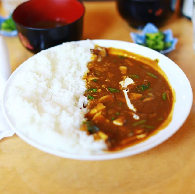 円頓寺のゆるり人で野菜カレー&コーヒー。うまい!#オニマガ名古屋散歩 (Instagram)